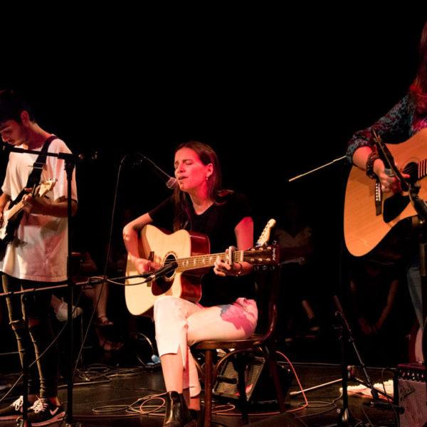 illadelaire-tothom-pot-cantar-4